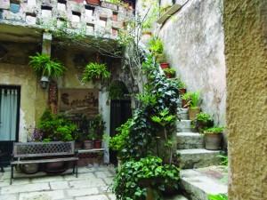 Sicily_Courtyard in Erice