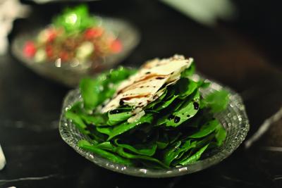 Spinach and parmesan salad with balsamic vinegar I Insalata di spinaci ...