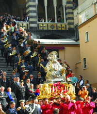 Amalfi Festival of Sant' Andrea Carrying Statue down Steps of Cathedral for Procession200px