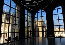 The top floor of Milan's Museo del Novecento, from where you have a wonderful view over the cathdral square. The museum houses Italian art of the 20th century, including works by De Chirico, Manzoni, Carrà and many others.