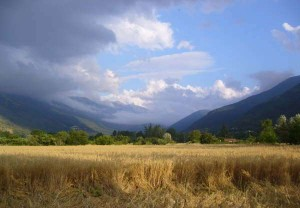 A summer shower approaching in the Valle di Gizio