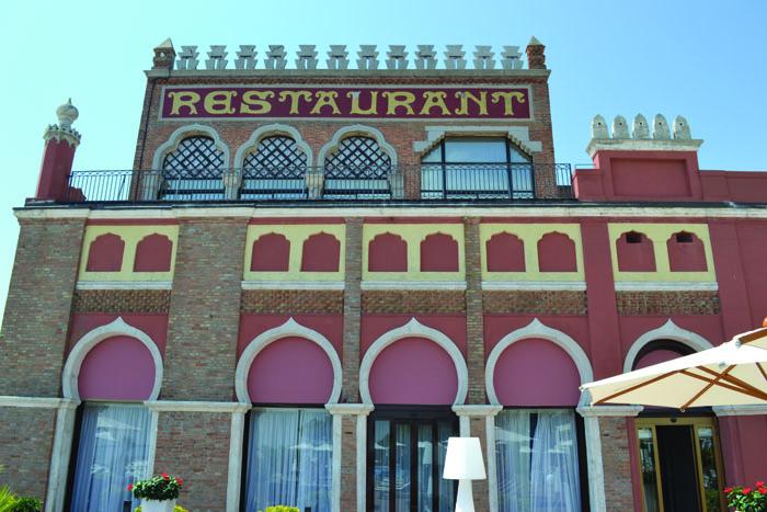 Restaurant of Excelsior Hotel on Lido