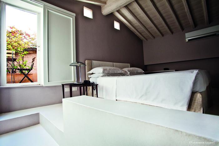 *standard 3 - bed- redjpg