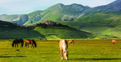 The stunning Sibillini Mountains in all their glory.