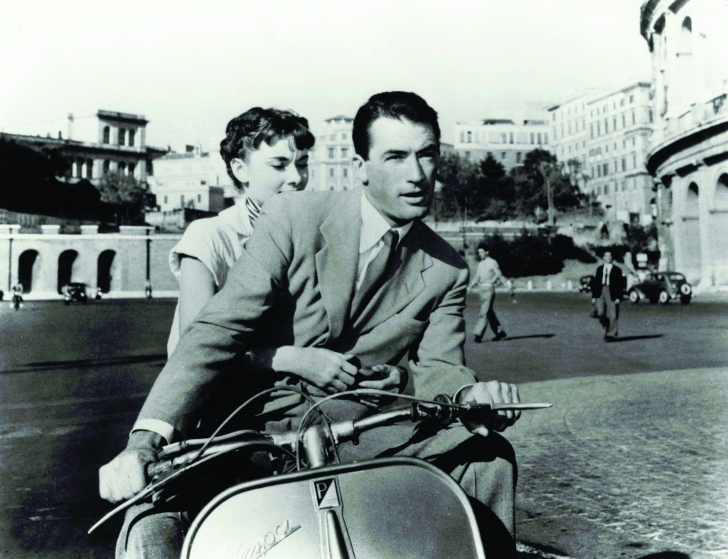 Title: ROMAN HOLIDAY ¥ Pers: HEPBURN, AUDREY / PECK, GREGORY ¥ Year: 1953 ¥ Dir: WYLER, WILLIAM ¥ Ref: ROM001AW ¥ Credit: [ PARAMOUNT / THE KOBAL COLLECTION ]