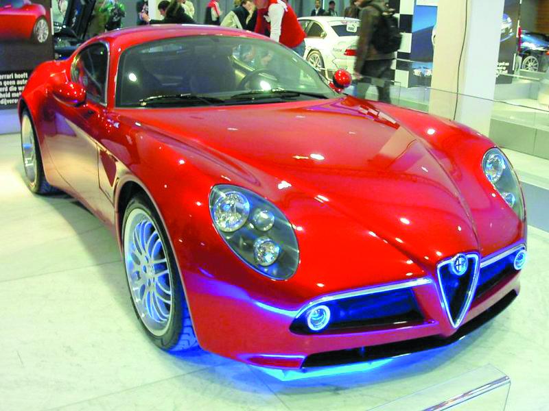 800px-Alfa_Romeo_8c