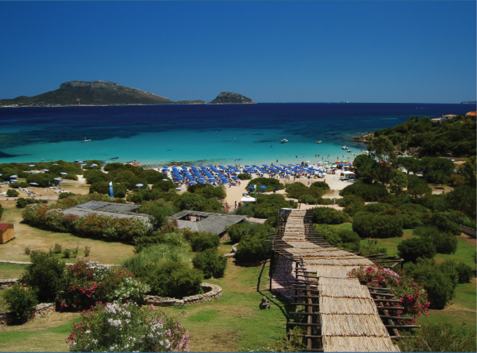 The 10 best beaches in sardinia italy travel and life for Costa smeralda sardegna