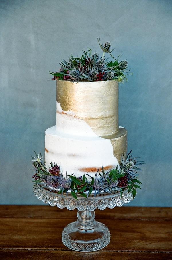 13 Beautiful Nearly Naked Cakes
