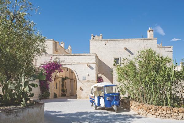 Borgo Egnazia shuttle buggy