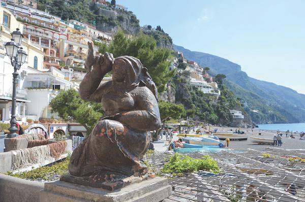 Beach statue Positano