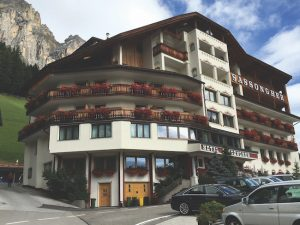 Hotel Sassongher, Dolomites