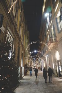 Christmas lights in the fashion quadrilateral, Milan