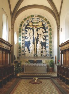 Chapel-of-the-Stigmate-with-ceramic-_Crucifixion_-altarpiece-by-Andrea-della-Robbia