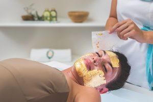 Gold mask treatment, Puglia