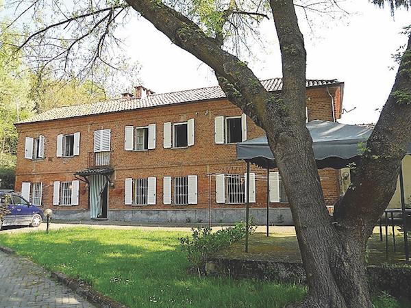 cascina, Vigliano d'Asti , Piedmont