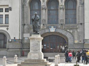 Ovid's Statue in Piata Ovidiu