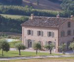 Villa di Campagna, Le Marche