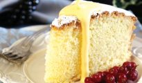 Paradise cake with hot zabaglione